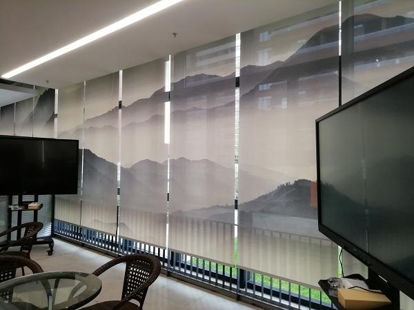 华南理工大学新图书馆电动喷绘卷帘